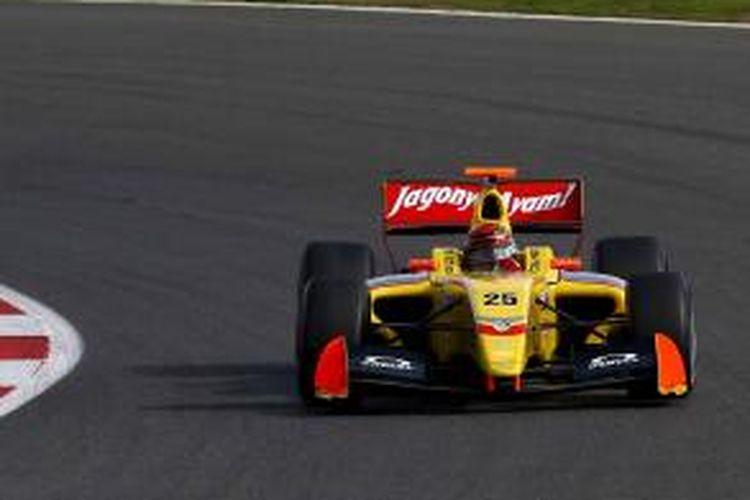 Untuk menghadapi lintasan Nurburgring, pebalap tak hanya dituntut memiliki presisi, tapi juga pengendalian mobil yang baik.