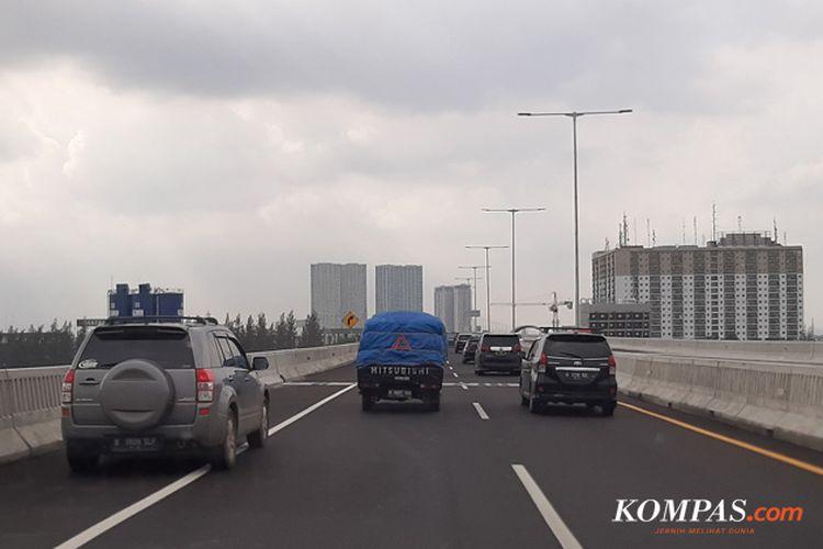 Pelanggaran lalu lintas di Tol Layang Jakarta-Cikampek