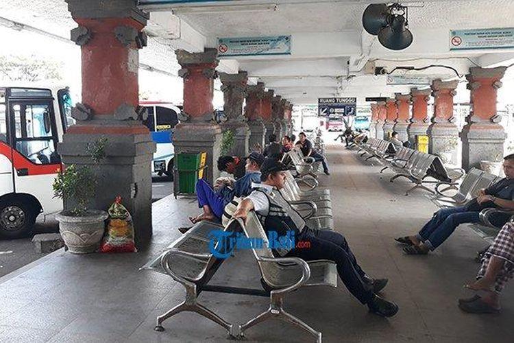 Suasana Terminal Ubung H-2 Idul Fitri, Senin (3/6/2019) siang