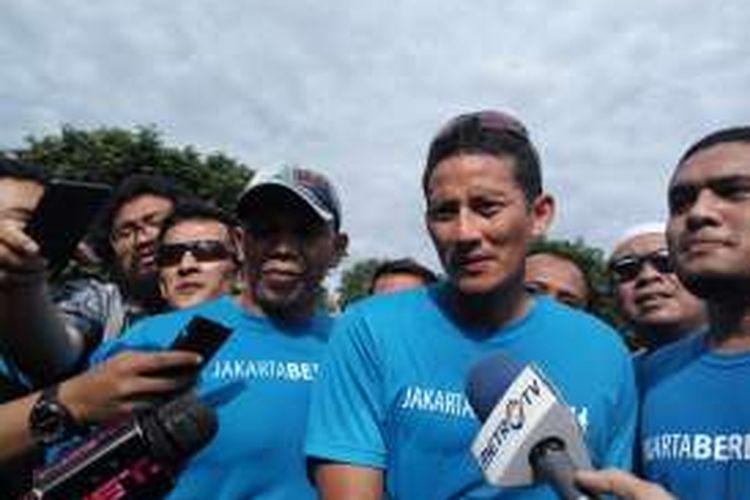 Bakal calon wakil gubernur DKI Jakarta, Sandiaga Uno seusai acara lari pagi di Lapangan Banteng, Jakarta Pusat pada Minggu (2/10/2016).