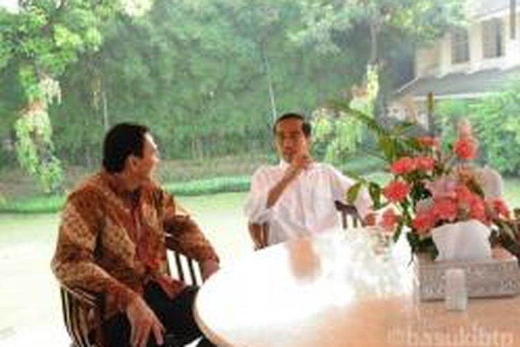 Plt Gubernur DKI Jakarta Basuki Tjahaja Purnama mengantar Presiden Jokowi ke Istana, Rabu (22/10/2014).