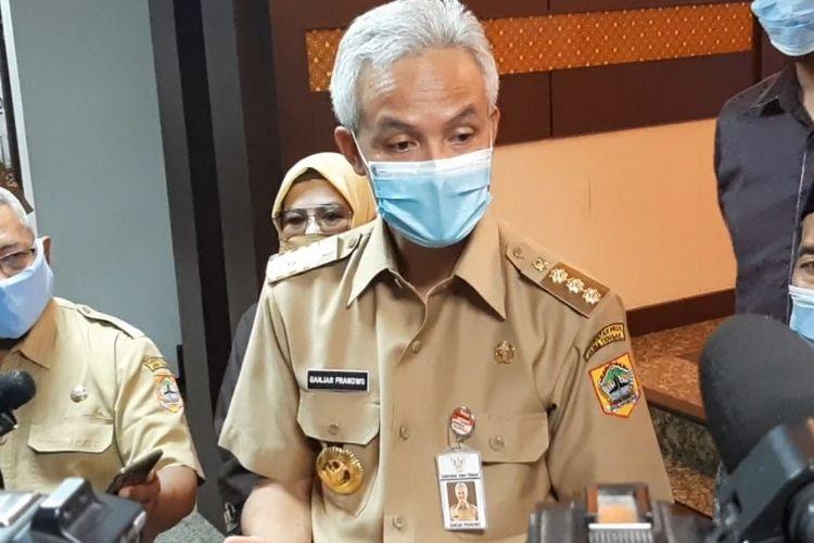Gubernur Jawa Tengah Ganjar Pranowo usai rapat percepatan penanganan Covid-19 di Gedung B lantai V Kantor Pemprov Jateng, Senin (20/7/2020).