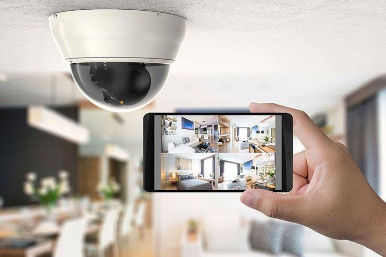 Ilustrasi smartphone dan CCTV
