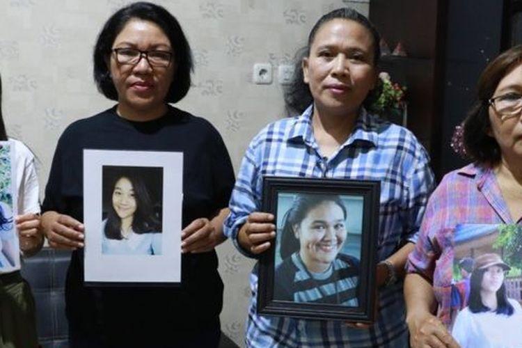 Setahun berlalu, para ibu masih mencari keberadaan anak mereka yang hilang di Desa Jono Oge.