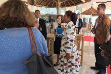 Dengan Baju Bermotif Ikan, Menteri Susi Hadiri Our Ocean Conference