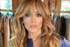 Jennifer Lopez Tampilkan Rambut Asli saat Jalani Pemotretan