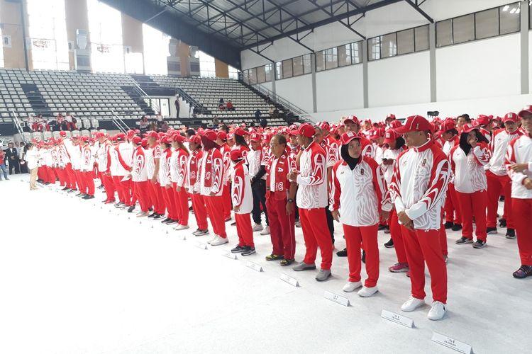 Kontingen Indonesia untuk SEA Games 2019 di acara pengukuhan oleh Menpora Zainudin Amali di Hall Basket Gelora Bung Karno, Senayan, Jakarta, Rabu (27/11/2019).