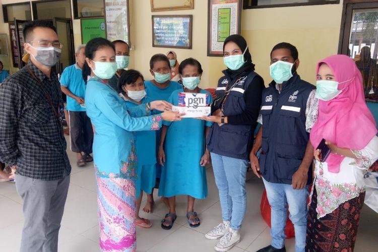 Salah satu kegiatan CSR dari PGN yang menyalurkan bantuan kepada masyarakat.