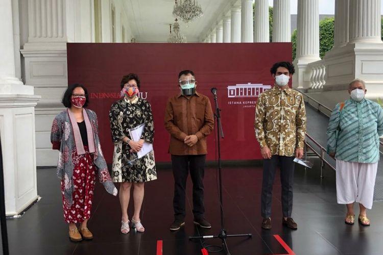 Komite Festival Film Indonesia (FFI) 2021 usai bertemu Presiden Joko Widodo di kompleks Istana Kepresidenan, Senin (6/9/2021).