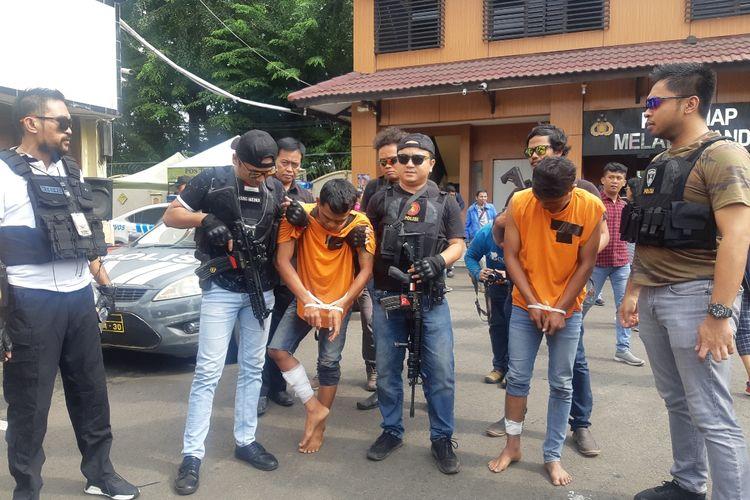 Dua pelaku pencurian dengan kekerasan ditembak di bagian kaki oleh anggota Reskrim Polres Metro Jakarta Barat, Selasa (4/2/2020)