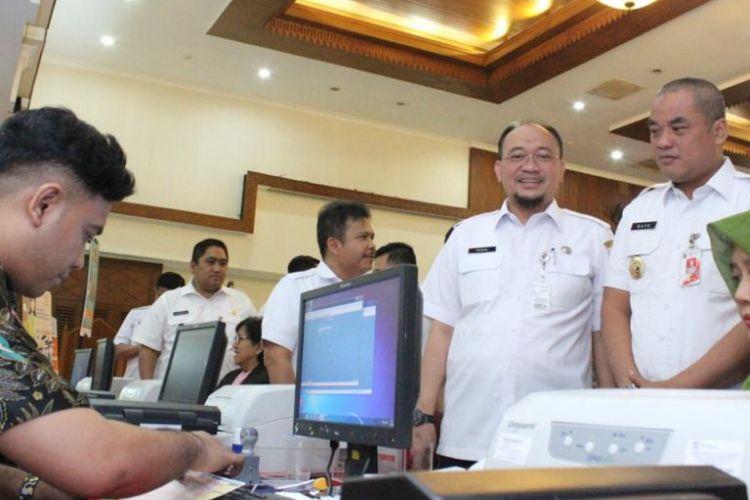 Badan Pajak dan Retribusi Daerah (BPRD) Provinsi DKI Jakarta melakukan upaya jemput bola pembayaran pajak.