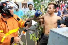 Berebut Slang Air, Warga dan Pemadam Kebakaran Saling Dorong dan Nyaris Adu Jotos
