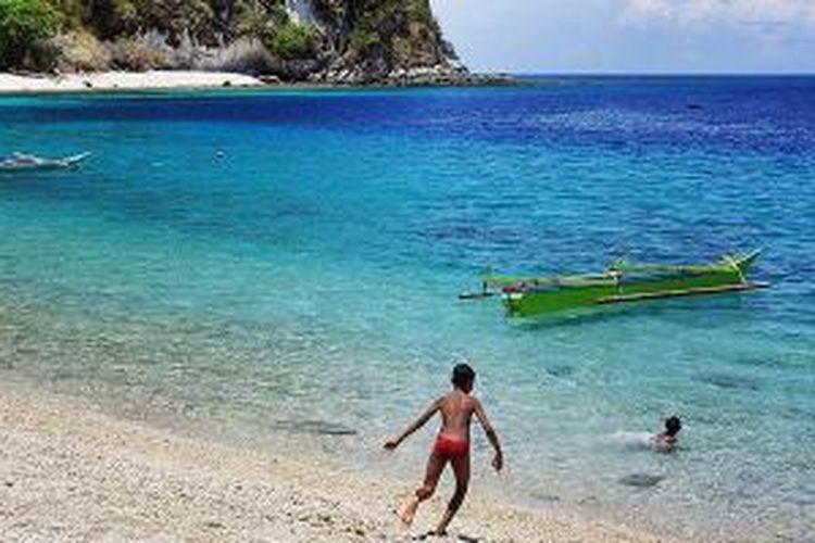 Pantai Batu Putih di Pulau Alor.