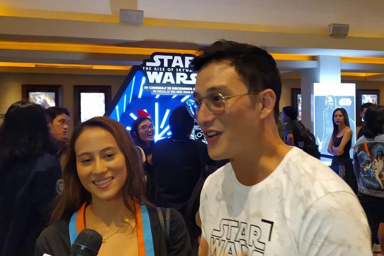 Aktor Mike Lewis (kanan) dan Janissa Pradja saat ditemui di kawasan Kelapa Gading, Jakarta Utara, Selasa (17/12/2019).