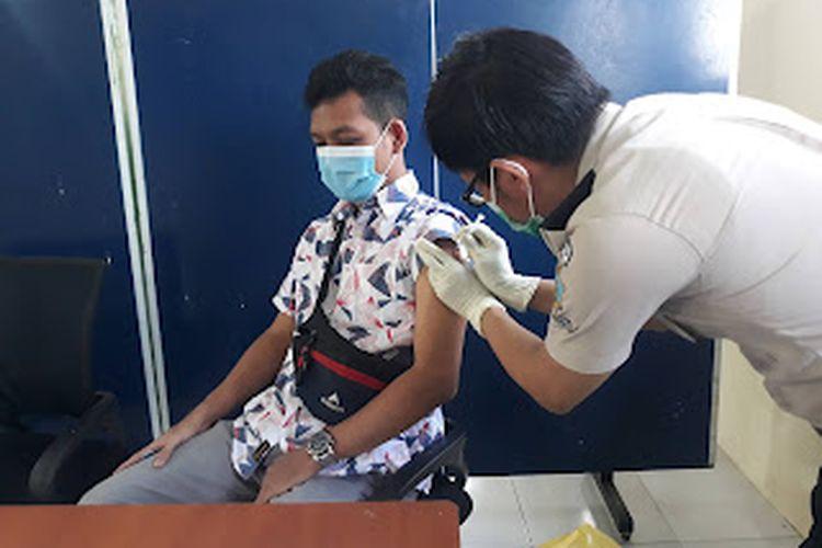 Kemenhub menggencarkan program vaksinasi di pelabuhan.