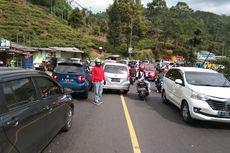 Ada Rapid Test, Jalur Puncak Bogor Dipadati Kendaraan Pribadi