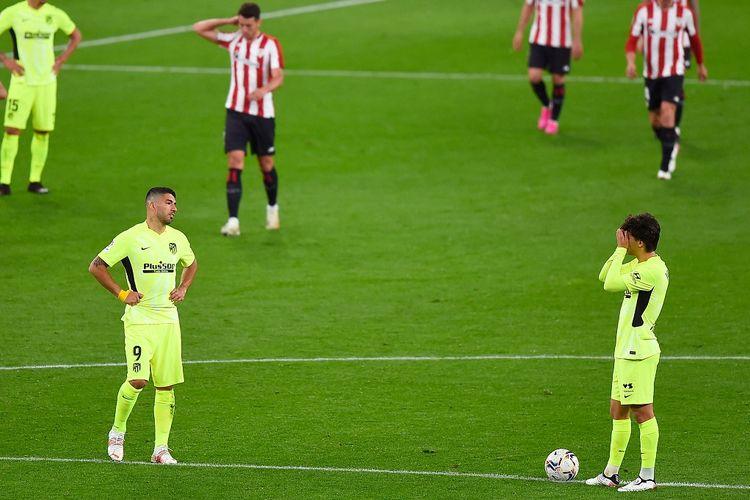Penyerang Atletico Madrid, Luis Suarez (kiri) dan Joao Felix (kana) pada laga kontra Athletic Bilbao di Stadion San Mames, Senin (26/4/2021) dini hari WIB.
