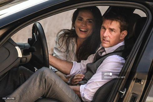 Fakta Terbaru Seputar Rumor Cinlok Tom Cruise dan Hayley Atwell