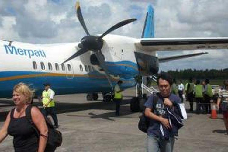Pesawat Merpati di Bandara Ngurah Rai, Bali.