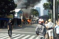 Kebakaran Ruko Mebel di Tebet Berhasil Dipadamkan, 19 Unit Mobil Pemadam Turun