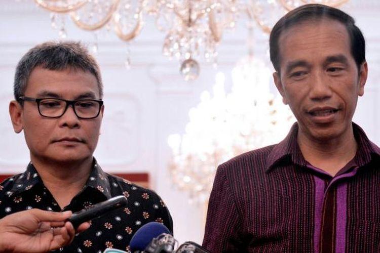 Presiden Joko Widodo saat mengumumkan Johan Budi SP sebagai Juru Bicara Presiden di Istana Merdeka, Selasa (12/1/2015).