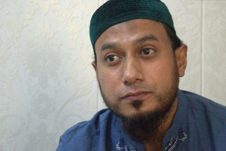 Abu Farros saat diwawancarai di rumahnya di kawasan Ampel, Surabaya, April 2021. Kita berbuat baik dan bersungguh-sungguh itu jihad.