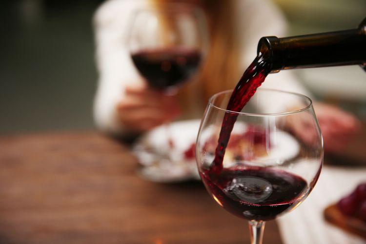 Ilustrasi red wine