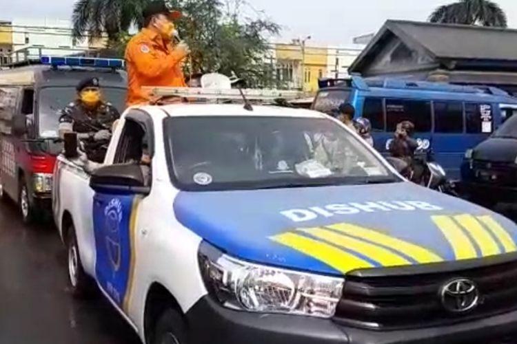 Wali Kota Tasikmalaya Budi Budiman bersama unsur pimpinan Muspida setempat berkeliling menyosialisasikan anjuran pemerintah dalam penanganan virus corona, Minggu (22/3/2020).