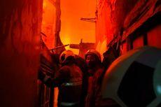 Sejumlah Rumah di Tambora Terbakar
