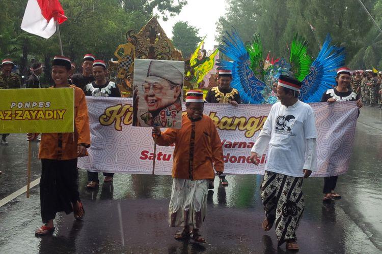 Kirab kebangsaan peringatan Haul ke-9 Gus Dur di Stadion Manahan, Solo, Jawa Tengah, Sabtu (23/2/2019).