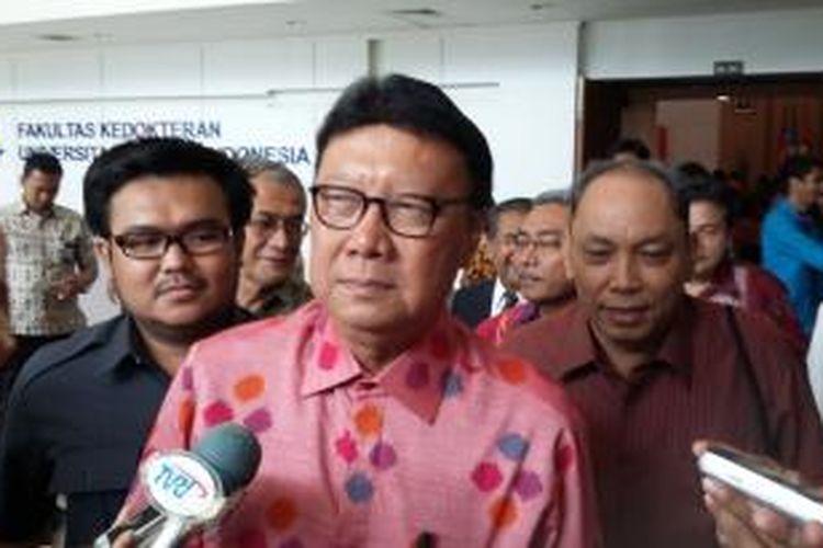 Menteri Dalam Negeri Tjahjo Kumolo, saat ditemui saat menghadiri acara peresmian Program Studi Ilmu Politik Universitas Kristen Indonesia, Jakarta Timur, Kamis (27/8/2015).