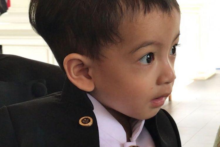 Cucu Presiden Joko Widodo, Jan Ethes Sri Narendra.