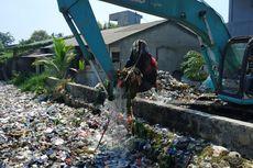 Saling Lempar Tanggung Jawab Aparat soal Sampah Kali Bahagia