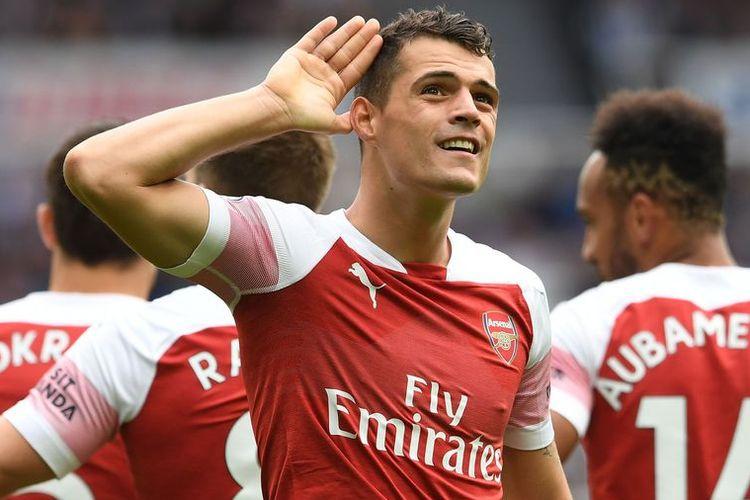Xhaka Melakukan Gerakan Serupa untuk Menanggapi Perlakuan Kurang Baik Fans Arsenal saat Lanjutan Liga Primer Inggris Pekan ke-10 Arsenal vs Crystal Palace Minggu  (27/10/2019).