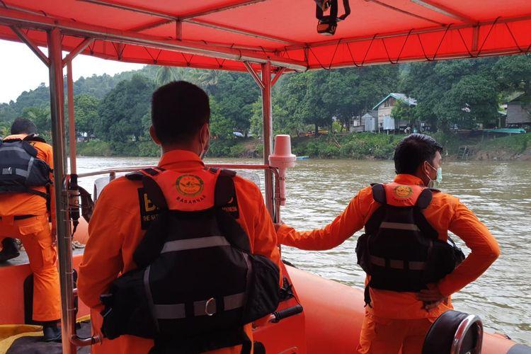 Tim SAR menerjunkan tim dengan RIB untuk pencarian M Afi Balita warga desa Ujang Sekatak Kabupaten Bulungan Kaltara