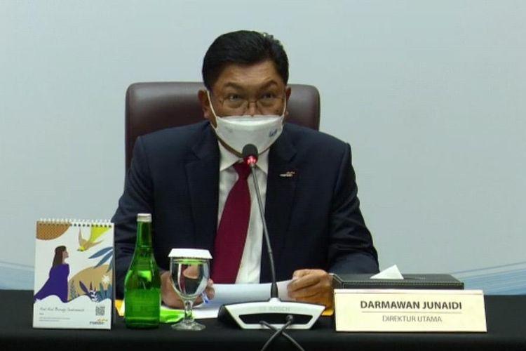 Direktur Utama Bank Mandiri Darmawan Junaidi mengumumkan besaran pembagian dividen atas laporan keuangan tahun 2020 dalam konferensi pers secara virtual, Senin (15/3/2021).