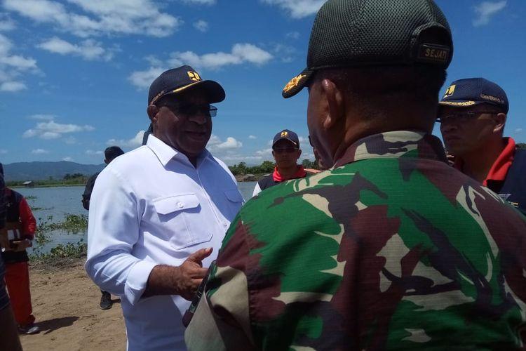 Wakil Menteri PUPR Jhon Wempi Wetipo saat berkunjung ke Danau Limboto, Kabupaten Gorontalo, Jumat (28/2/2020).