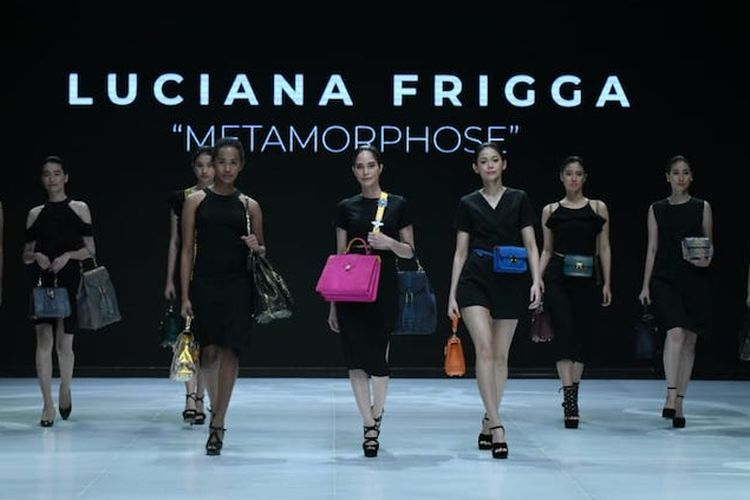 Peluncuran tas Luciana Frigga di ajang Indonesia Fashion Week 2019.