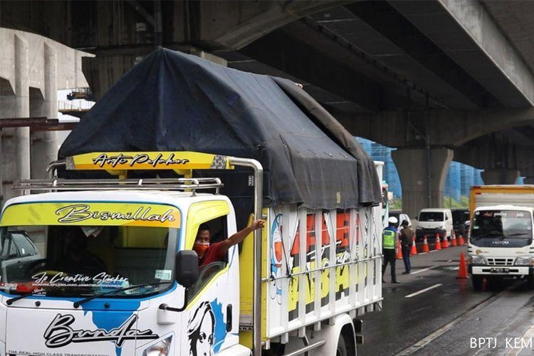 Kemenhub berupaya jaga angkutan barang logistik.