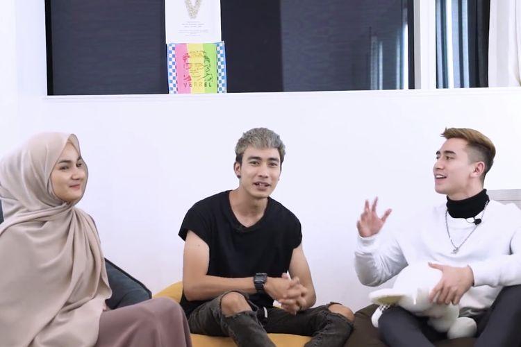 Ervan Marvino, Tami dan Verrel sedang berbincang. (Bidikan layar YouTube VRL Bramasta).