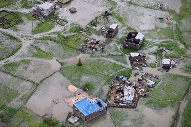 Foto udara dampak banjir dan terjangan Topan Idai yang melanda kota Beira di Mozambik tengah, pada Maret lalu.