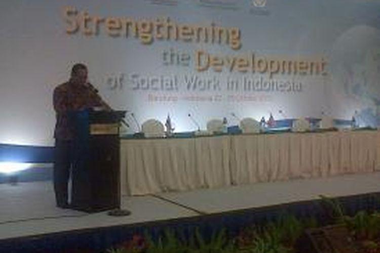 International Conference on Social Work (ICSW) 2013 di Kota Baru Parahyangan, Padalarang, Kabupaten Bandung Barat, Jawa Barat, Rabu (23/10/2013).