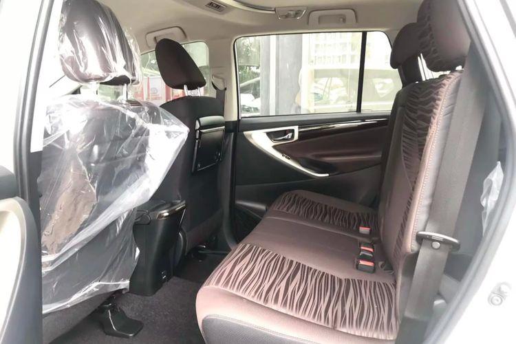 Tampilan interior Toyota Kijang Innova terbaru yang meluncur di Vietnam.