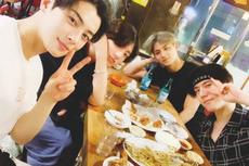Jungkook BTS Nongkrong Bareng Geng Idola Angkatan 97