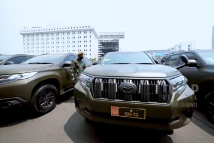 Deretan kendaraan dinas yang diserahkan oleh KSAD Jenderal TNI Andika Perkasa kepads satuan-satuan TNI AD.