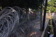 Rizieq Shihab Hadiri Sidang, Polisi Pasang Kawat Berduri di Sekitar PN Jaktim