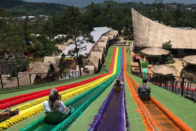 Wahana Prosotan di Dusun Semilir yang viral di media sosial.