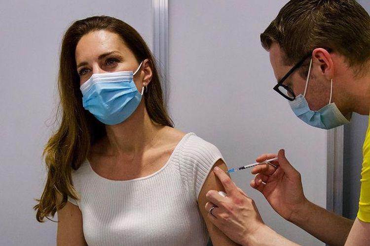 Kate Middleton, Duchess of Cambridge mengatakan sangat berterima kasih setelah mendapatkan dosis pertama vaksin virus corona pada Jumat (28/5/2021).