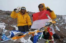 Dipuji Jokowi, Inilah Dua Perempuan Pendaki Gunung Aconcagua Argentina