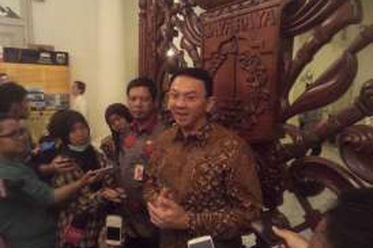 Gubernur DKI Jakarta Basuki Tjahaja Purnama dan Wali Kota Jakarta Utara Rustam Effendi di Balai Kota, Jumat (22/4/2016)